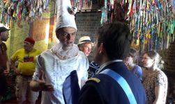 Accueil par le Président d'Alcatraz Jacopo Fo
